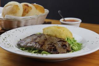 Tallarin-verde-con-bisteck-La-Kausa-Restaurant-North-Bergen-New-Jersey-Tel-201-868-8893